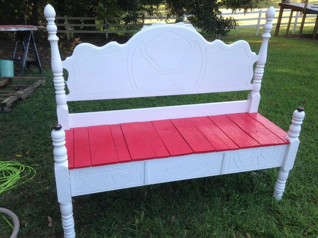 Furniture Upcycle old-head-and-footboard-to-bench-diy-outdoor-furniture-painted-furniture #30dayflip
